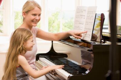 Đàn Piano Điện Dynatone 210