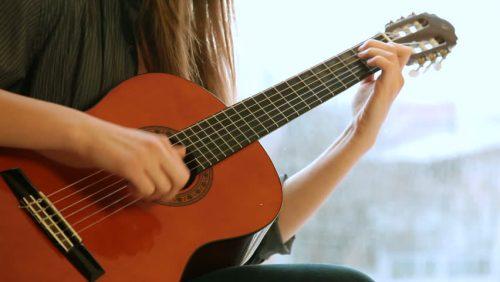 Đàn Guitar Yamaha Classic CG192S
