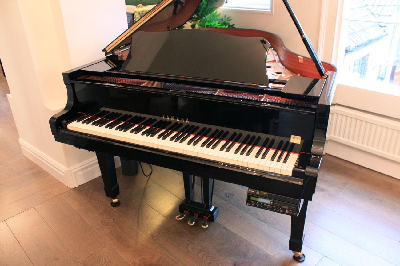 Đàn Piano Cơ Yamaha Grand GC1 PE