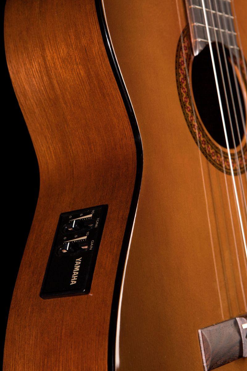 Đàn guitar yamaha cx40