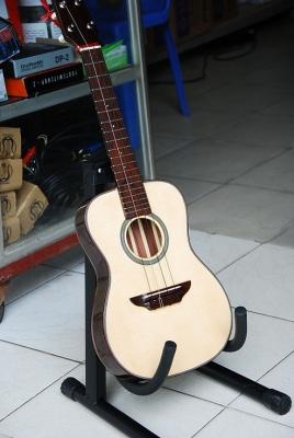 Cach chon mua dan guitar tot