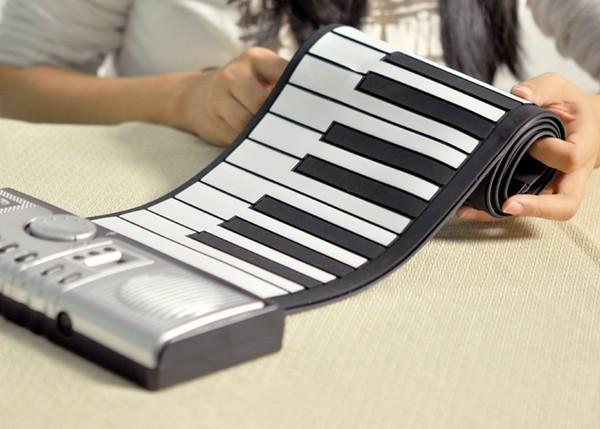 Dan Piano dien tu co the cuon lai duoc nhu giay