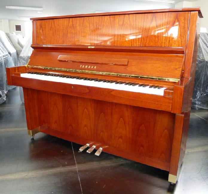 đàn piano cơ Yamaha W104