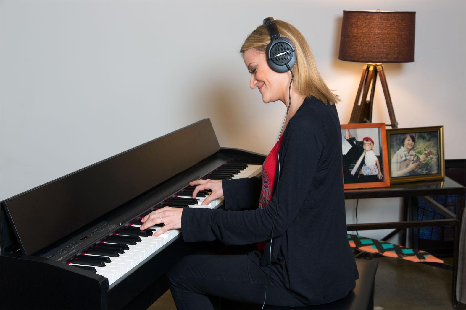 Đàn Piano ĐIện Yamaha CLP 635R