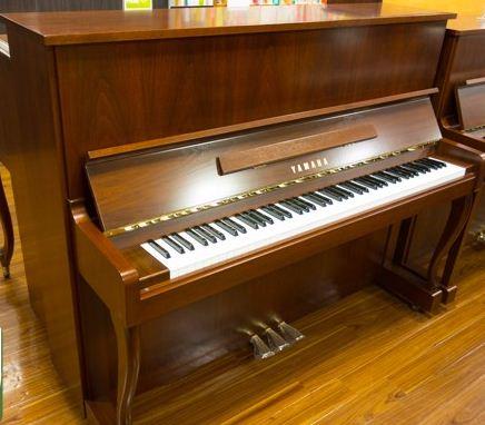 Đàn piano cơ Yamaha W101
