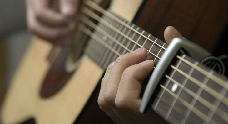 capo phụ kiện guitar