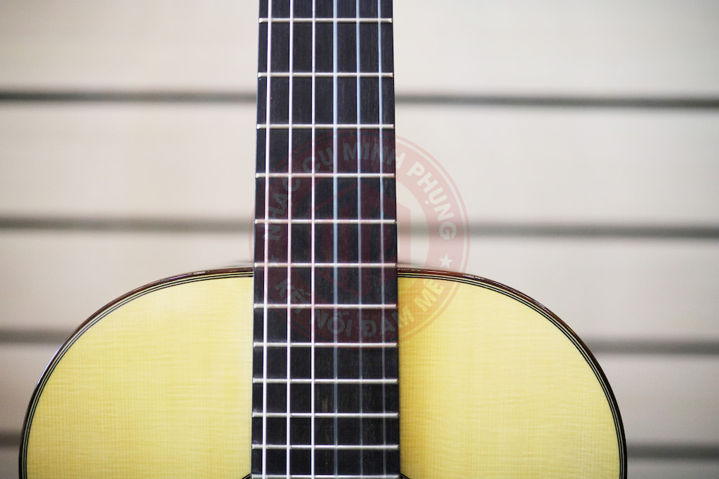Đàn Guitar Classic Cuenca 70R