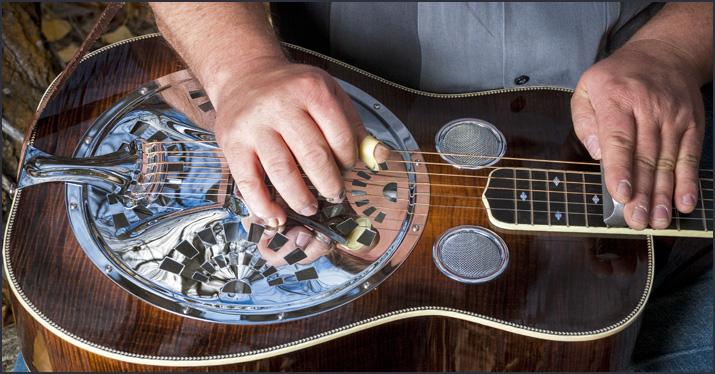 đàn guitar fingerstyle