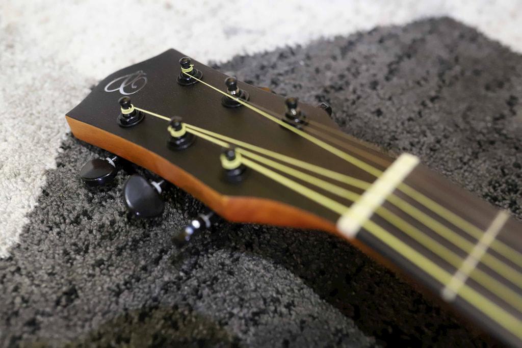 Đàn Guitar Acoustic Chard F4190C