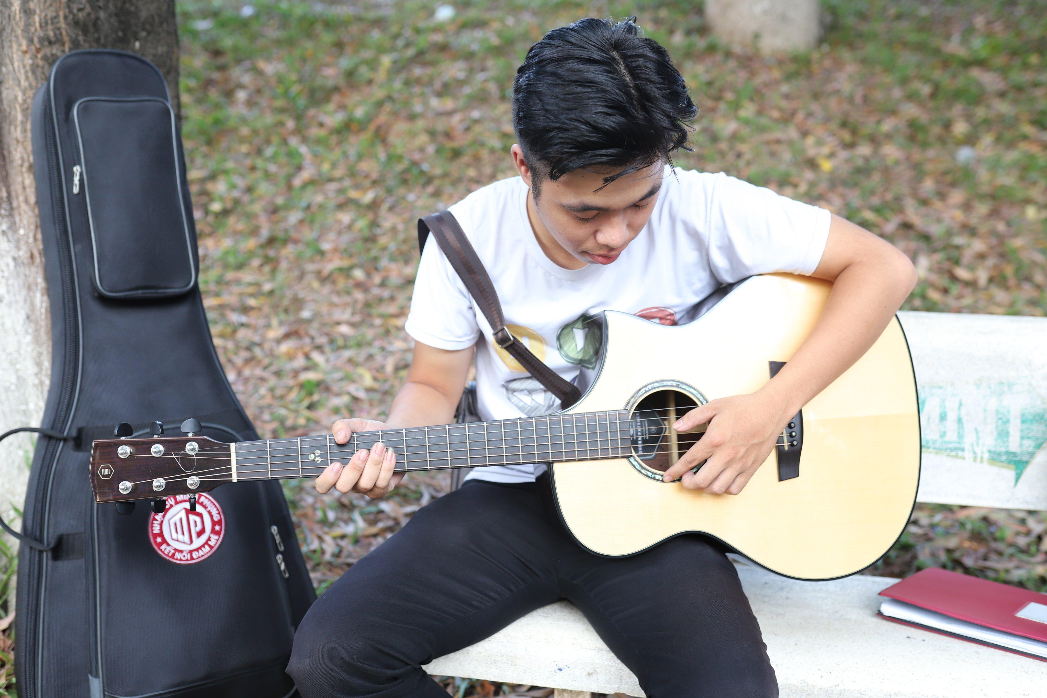 hoc_guitar_tai_nha