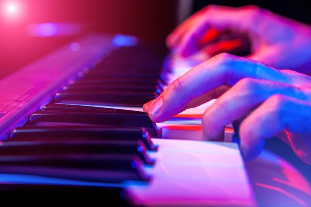 8-bai-tap-luyen-ngon-dan-piano-cho-nguoi-moi-bat-dau