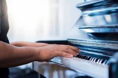 8 BÀI TẬP LUYÊN NGÓN ĐÀN PIANO CHO NGƯỜI MỚI BẮT ĐẦU