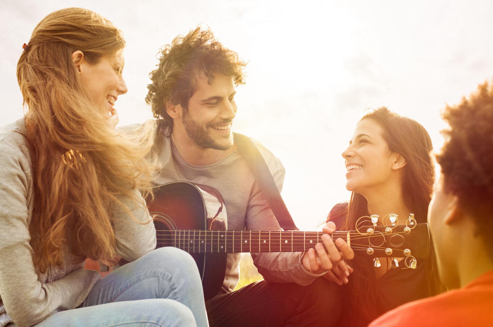 Âm nhạc là cầu nối cho tình bạn
