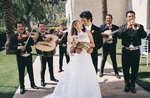 Âm nhạc là cầu nối cho tình yêu
