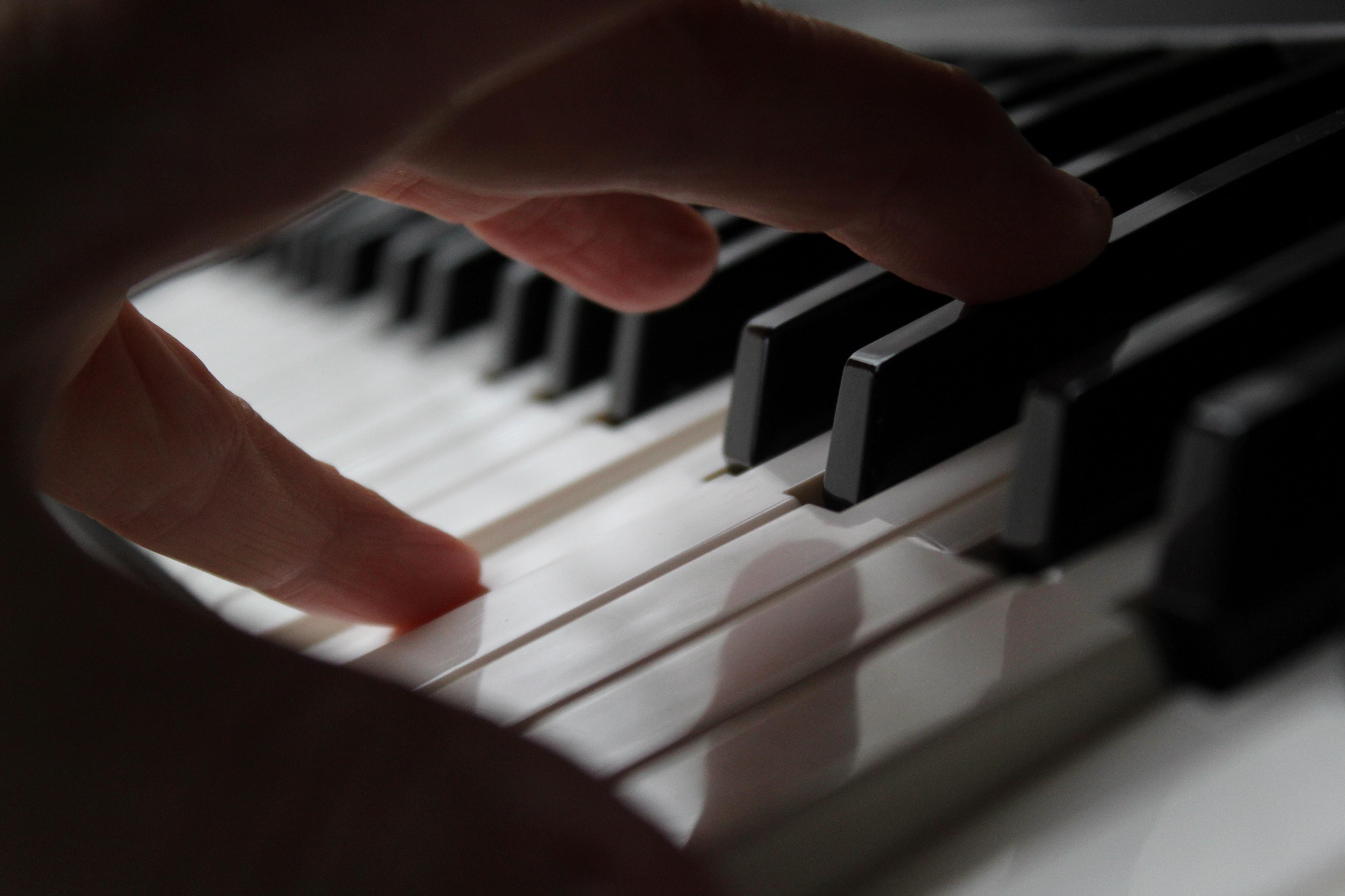 Đàn Piano điện Kurtzman: Có thể bạn chưa biết