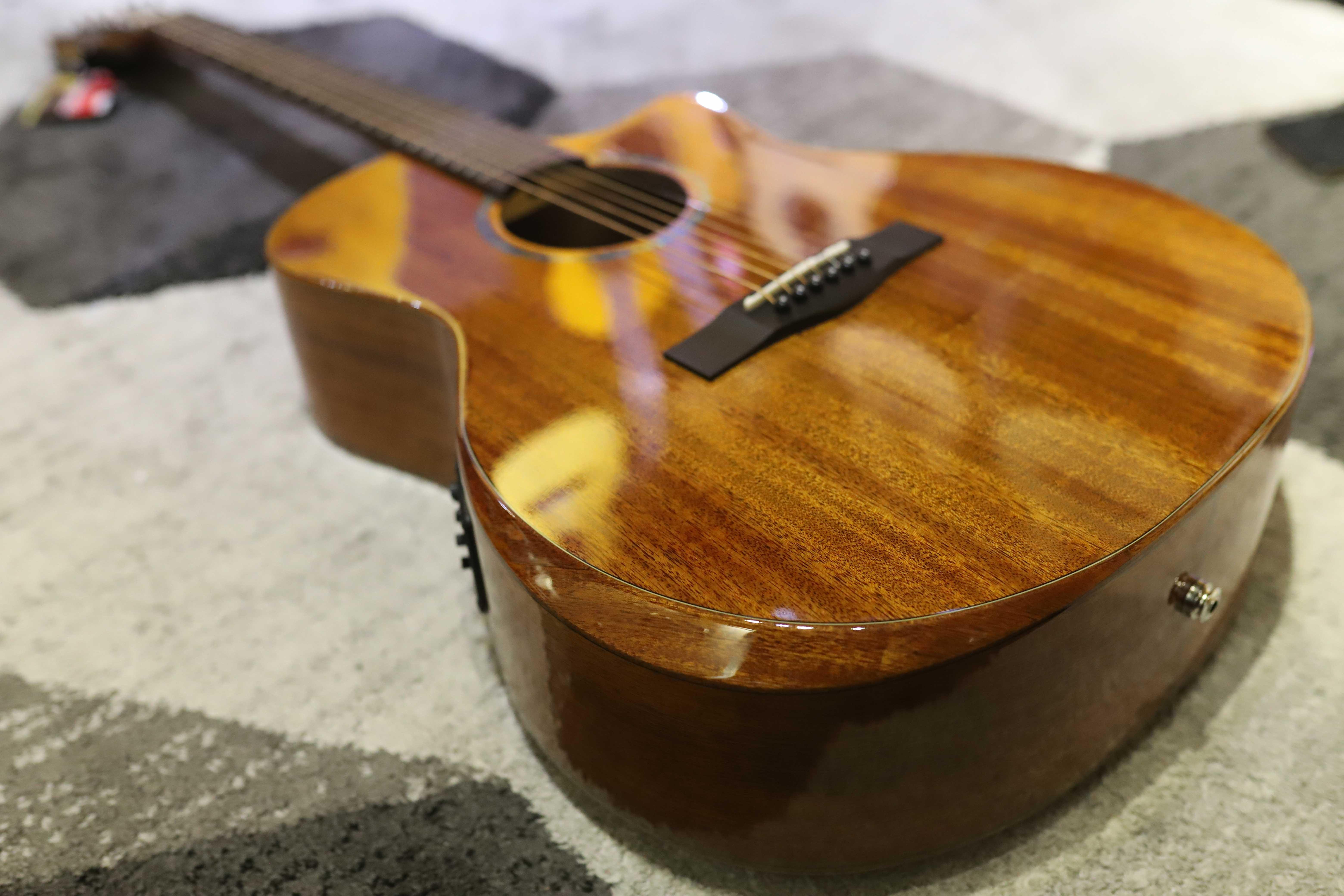 Đàn Guitar Acoustic Takahama AT230CE