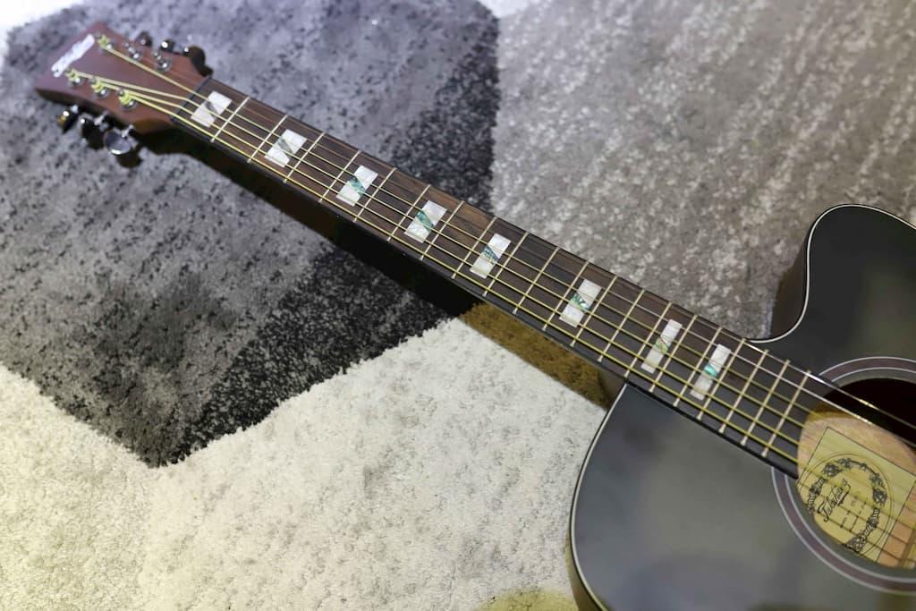 Đàn Guitar Acoustic Takahama ATK100CE-BKS