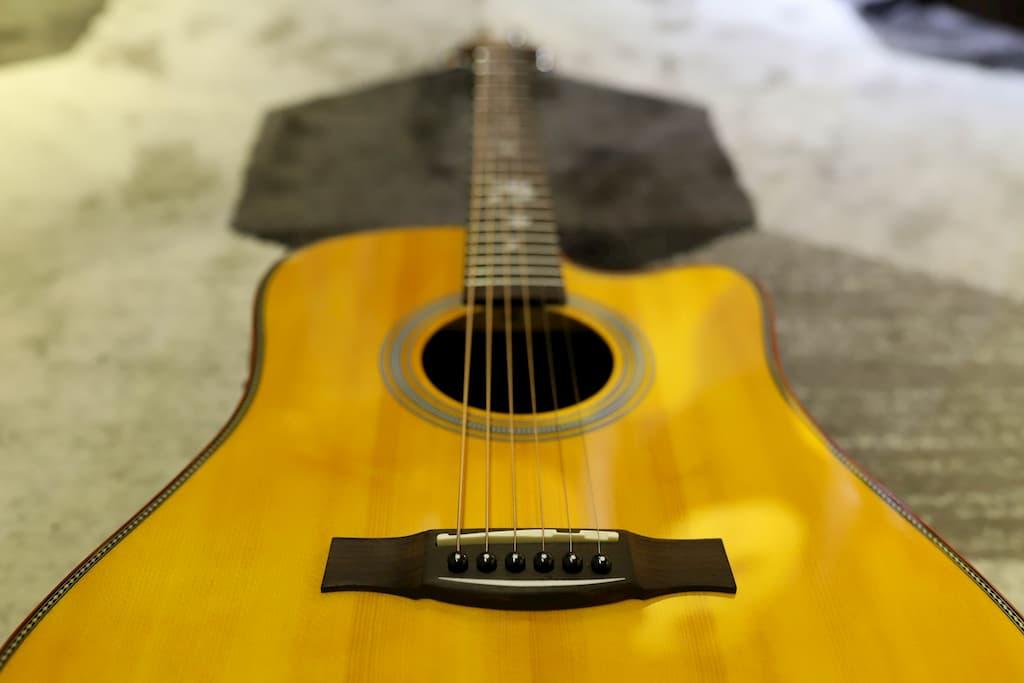 Đàn Guitar Acoustic Takahama ATK210CE-YN