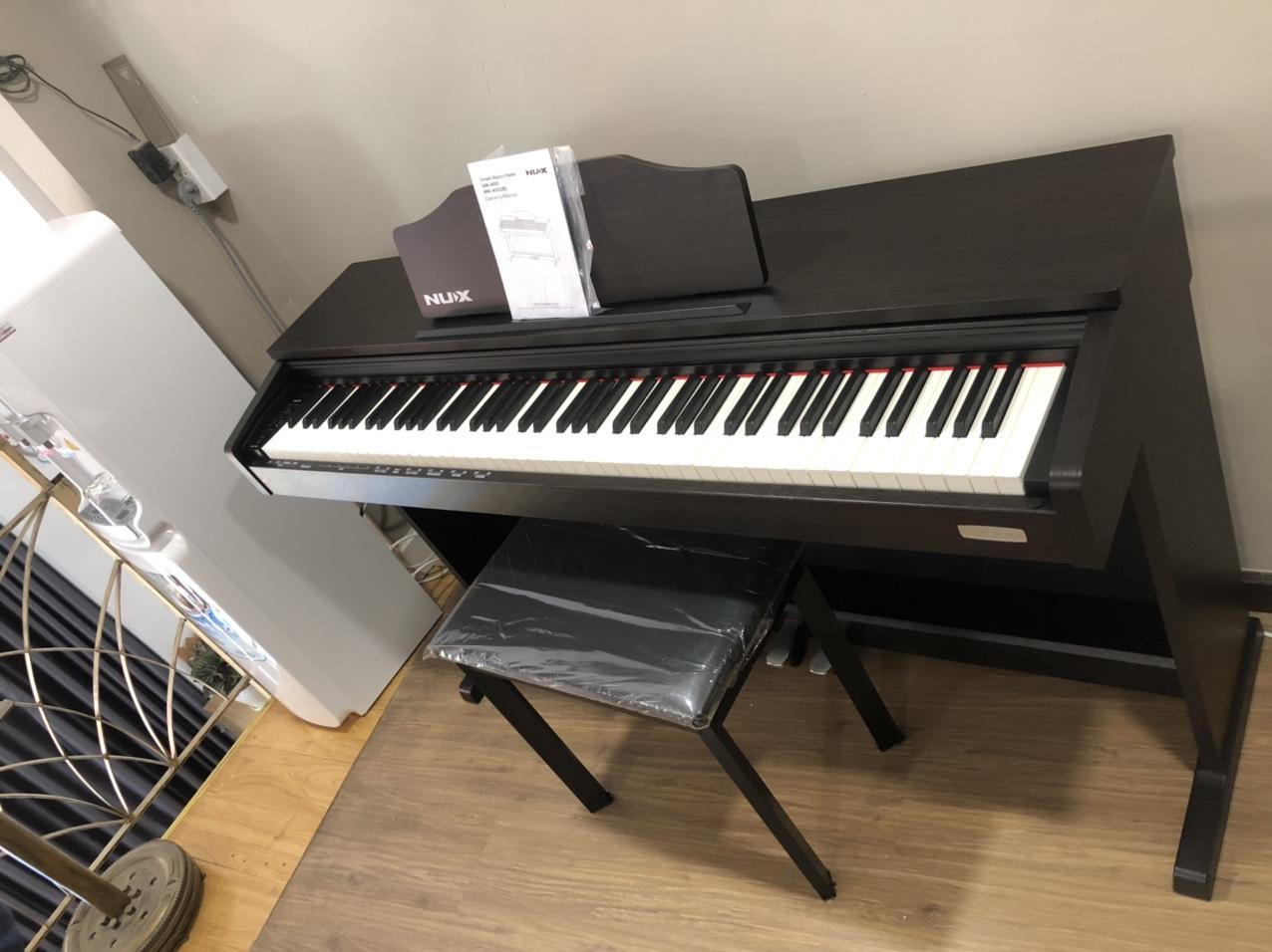 dan_piano_Nux