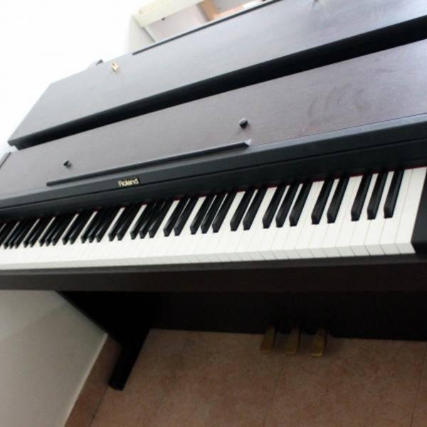 Đàn Piano Điện Roland MP-101DMH