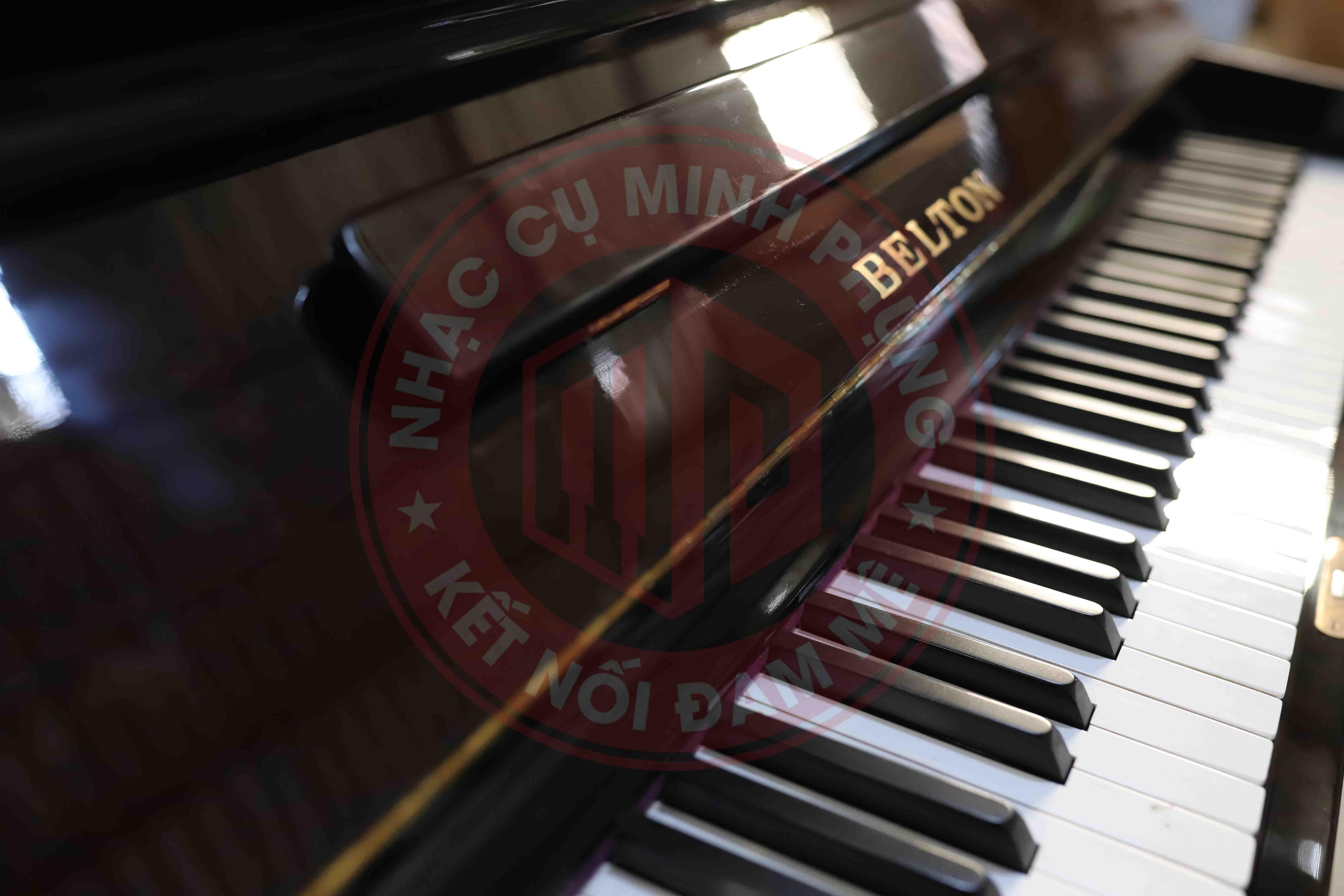 Đàn Piano cơ Belton FU33W