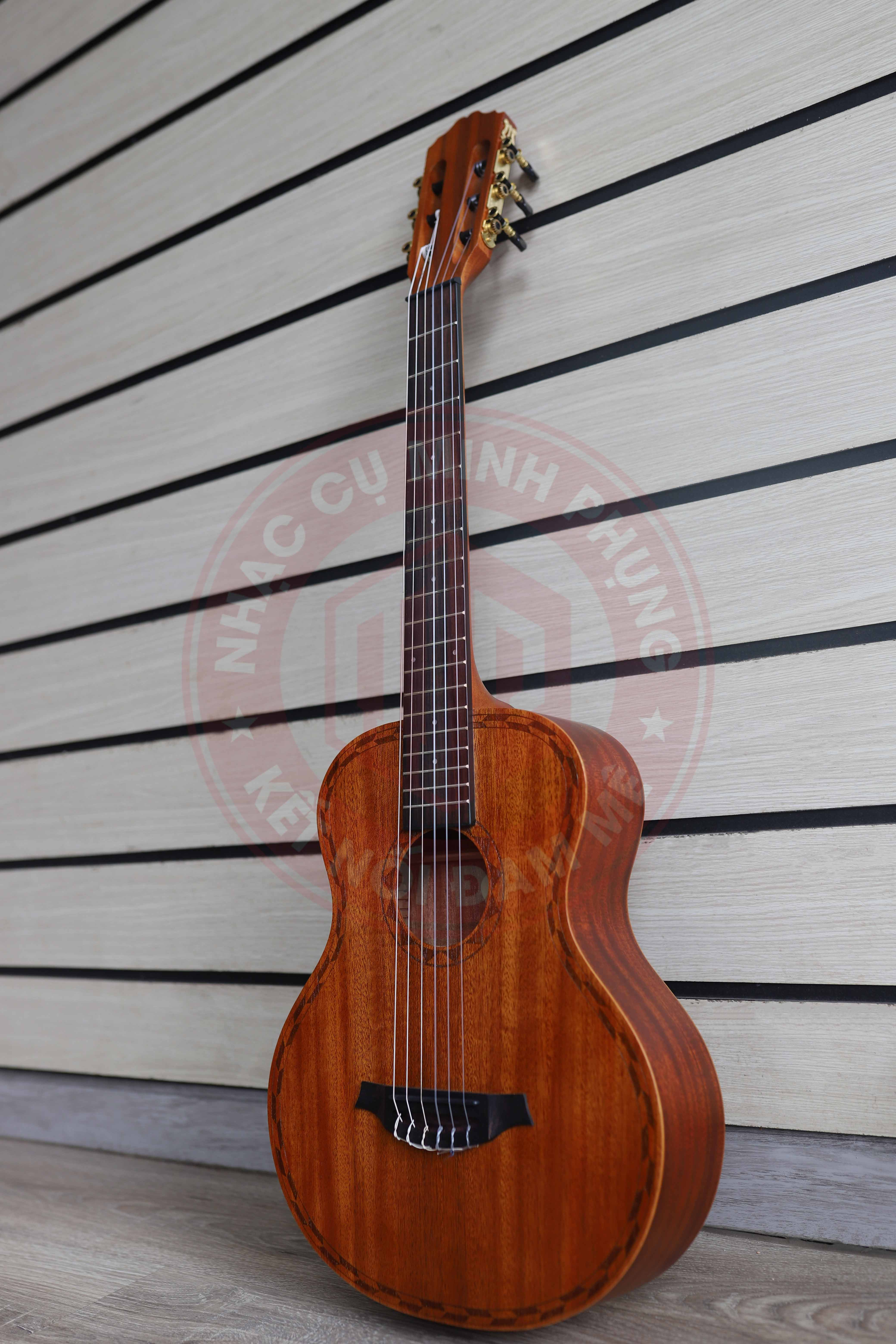 Đàn Guitar Classic Takahama GTC-34A