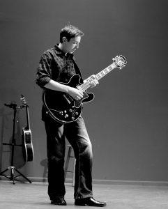 chơi_guitar