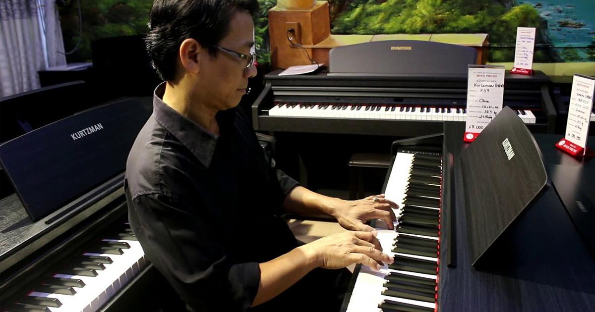 Người lớn học đàn piano bao lâu thì đánh được