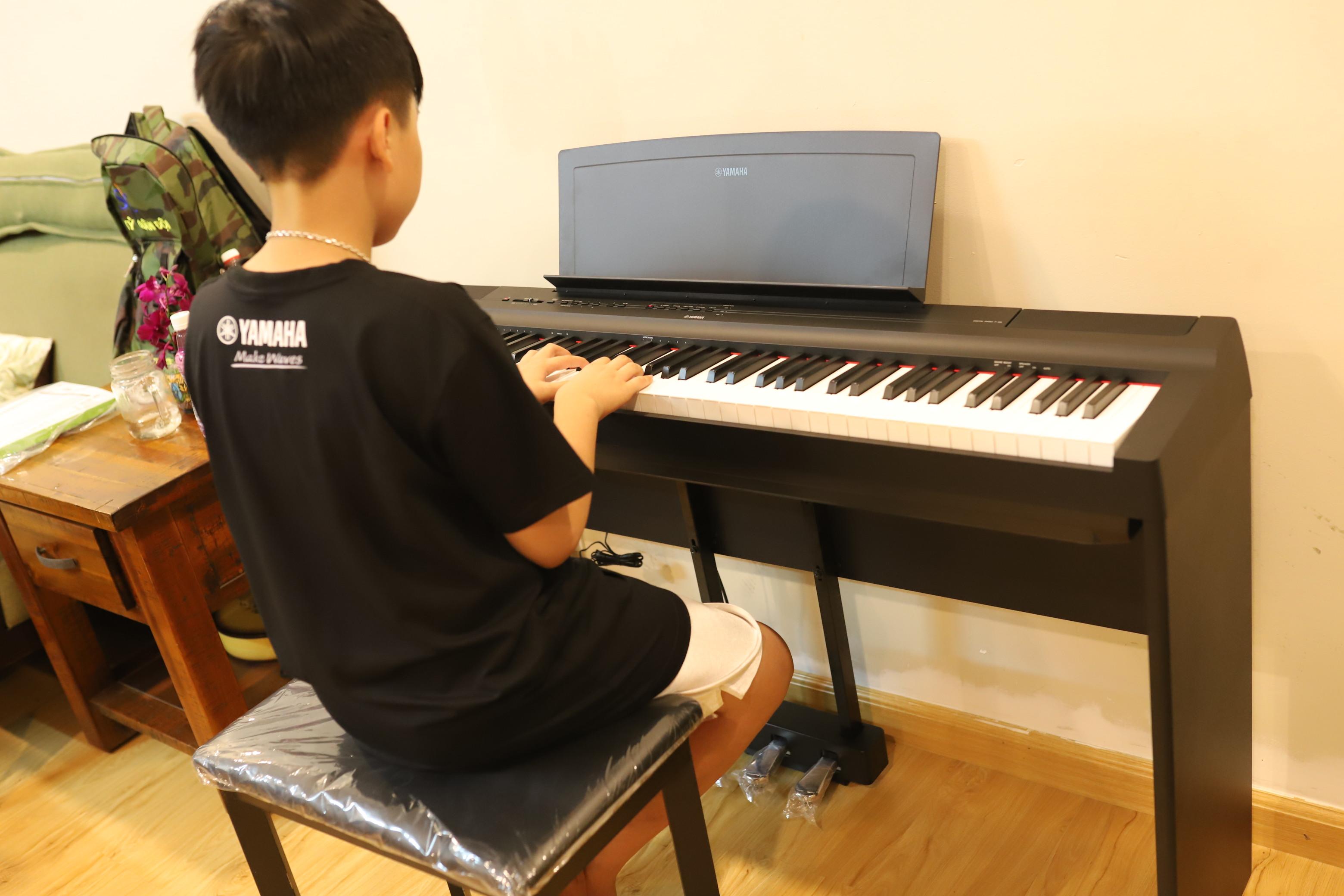 Không kinh nghiệm, nên nhờ ai đánh giá đàn piano điện trước khi chọn mua