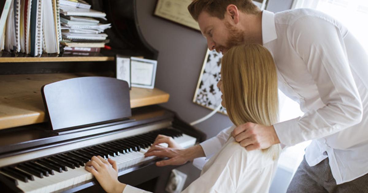 Cách đánh đàn piano bằng hai tay
