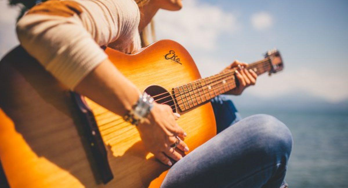 5 mẫu đàn guitar acoustic dáng cut giá chỉ từ 10tr