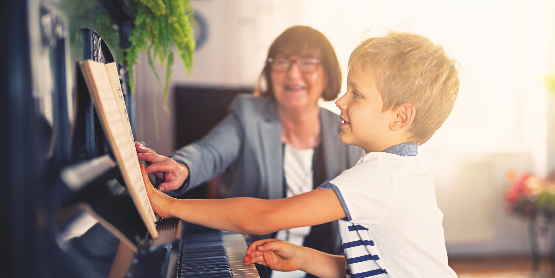 Cha mẹ tích cực hỗ trợ trẻ trong quá trình học nhạc