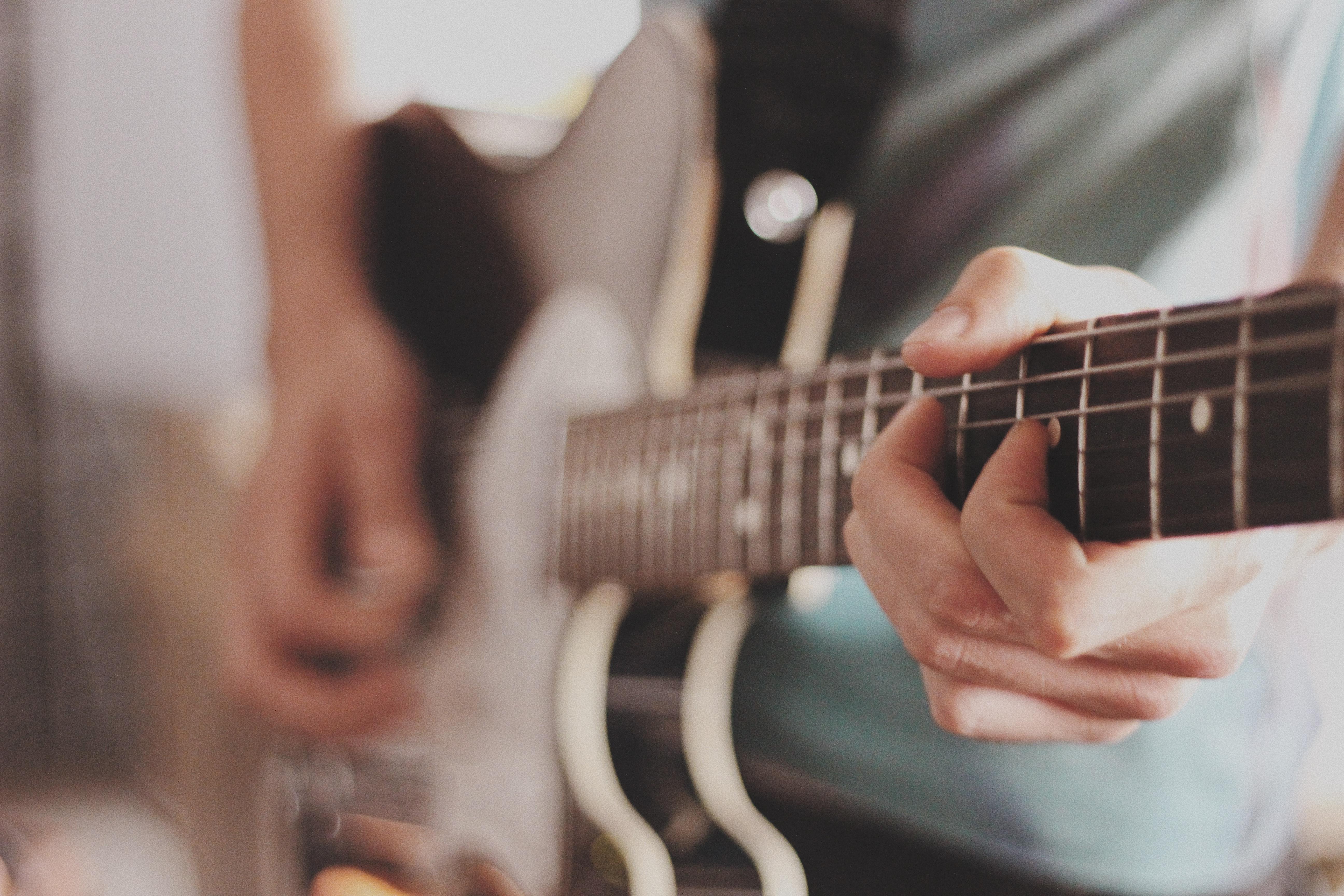 """Những vòng hòa âm guitar """"thần thánh"""" có thể chơi được tất cả các bài HIT hiện nay"""