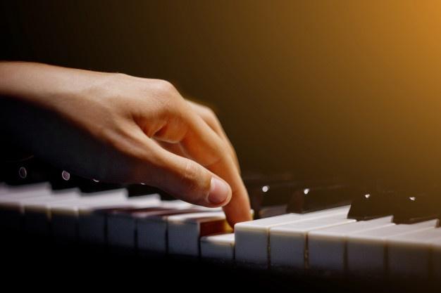 mua đàn Piano tự học
